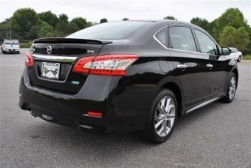 Photo Image Gallery & Touchup Paint: Nissan Sentra in Super Black   (KH3)  YEARS: 2013-2018