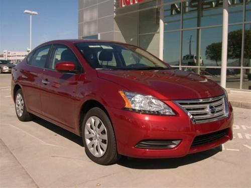 Photo Image Gallery & Touchup Paint: Nissan Sentra in Cayenne Red   (NAH)  YEARS: 2015-2017