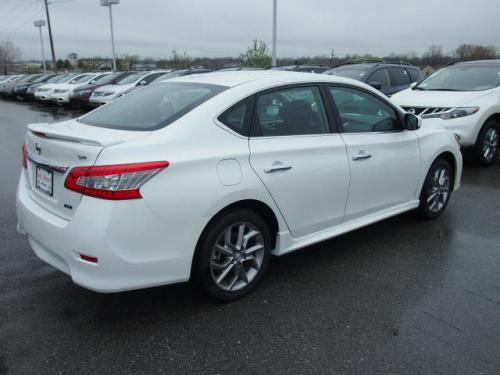 Photo Image Gallery & Touchup Paint: Nissan Sentra in Aspen White   (QAC)  YEARS: 2013-2018