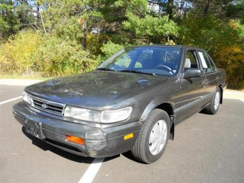 Photo Image Gallery & Touchup Paint: Nissan Stanza in Charcoal Pearl   (KH2)  YEARS: 1990-1992