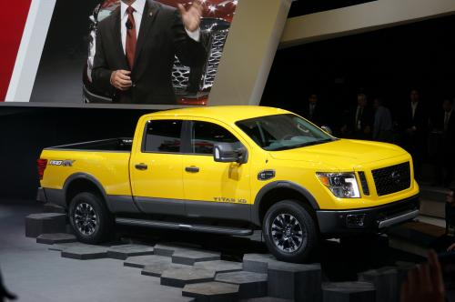 Photo Image Gallery & Touchup Paint: Nissan Titan in Solarflare Yellow   (EAZ)  YEARS: 2016-2018