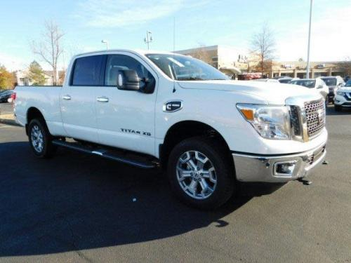 Photo Image Gallery & Touchup Paint: Nissan Titan in Glacier White   (QAK)  YEARS: 2016-2018