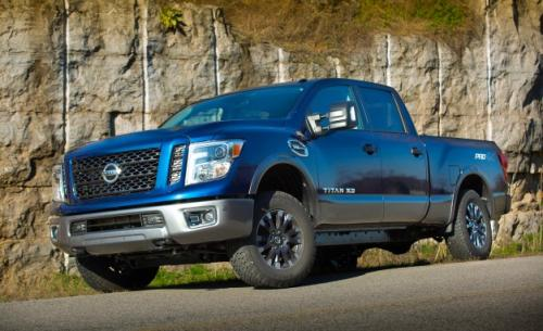 Photo Image Gallery & Touchup Paint: Nissan Titan in Deep Blue Pearl  (RAY)  YEARS: 2016-2018