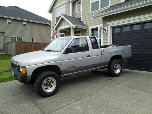 Photo Image Gallery & Touchup Paint: Nissan Truck in Platinum Metallic   (006)  YEARS: 1986-1987