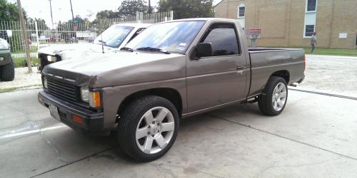 Photo Image Gallery & Touchup Paint: Nissan Truck in Mocha Brown Metallic  (468)  YEARS: 1986-1987