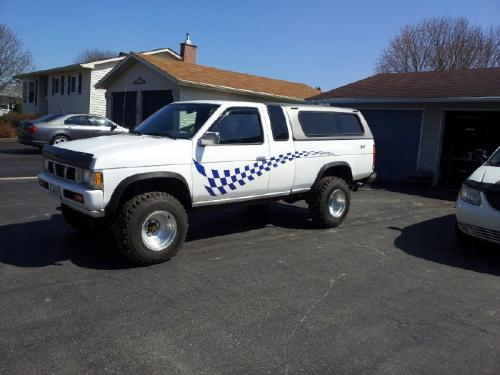 Photo Image Gallery & Touchup Paint: Nissan Truck in Vail White   (531)  YEARS: 1993-1994