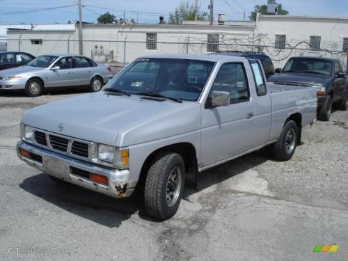 Photo Image Gallery & Touchup Paint: Nissan Truck in Platinum Metallic   (KL0)  YEARS: 1993-1994