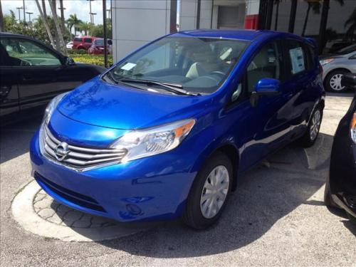 Photo Image Gallery & Touchup Paint: Nissan Versanote in Metallic Blue   (B17)  YEARS: 2014-2017