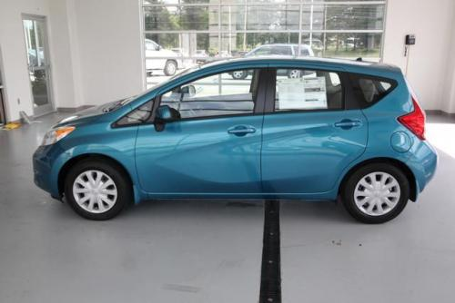 Photo Image Gallery & Touchup Paint: Nissan Versanote in Metallic Peacock   (FAK)  YEARS: 2014-2016