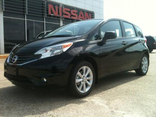 Photo Image Gallery & Touchup Paint: Nissan Versanote in Super Black   (KH3)  YEARS: 2014-2018