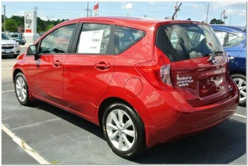 Photo Image Gallery & Touchup Paint: Nissan Versanote in Red Brick   (NAC)  YEARS: 2014-2015