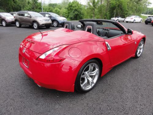 Photo Image Gallery: Nissan Z in Solid Red   (A54)  YEARS: -