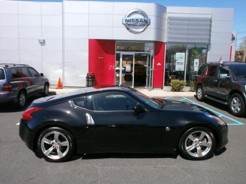 Photo Image Gallery: Nissan Z in Magnetic Black   (G41)  YEARS: -