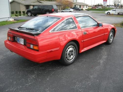 Photo Image Gallery & Touchup Paint: Nissan Z in Hot Red   (526)  YEARS: 1986-1987