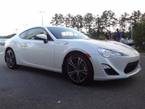 Photo Image Gallery & Touchup Paint: Scion Frs in Whiteout    (37J)  YEARS: 2013-2014