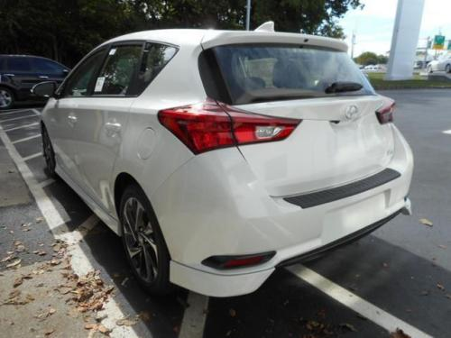 Photo Image Gallery & Touchup Paint: Scion IM in Blizzard Pearl   (070)  YEARS: 2016-2017