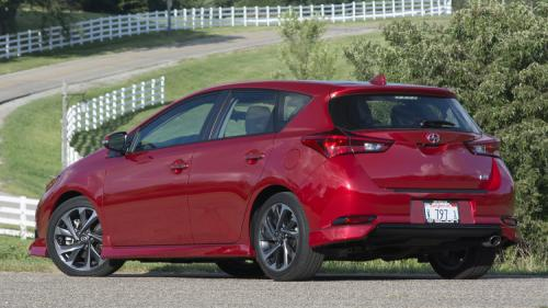 Photo Image Gallery & Touchup Paint: Scion IM in Barcelona Red Metallic  (3R3)  YEARS: 2016-2017