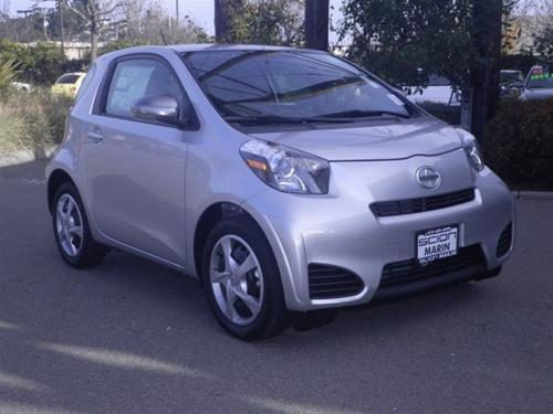 Photo Image Gallery & Touchup Paint: Scion IQ in Classic Silver Metallic  (1F7)  YEARS: 2012-2015