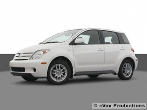 Photo Image Gallery & Touchup Paint: Scion XA in Polar White   (068)  YEARS: 2004-2006