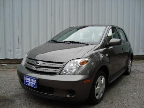 Photo Image Gallery & Touchup Paint: Scion XA in Phantom Gray Pearl  (1E3)  YEARS: 2004-2005