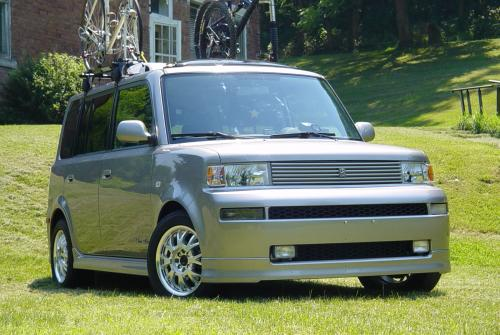 Photo Image Gallery & Touchup Paint: Scion XB in Thunder Cloud Metallic  (1D2)  YEARS: 2004-2006