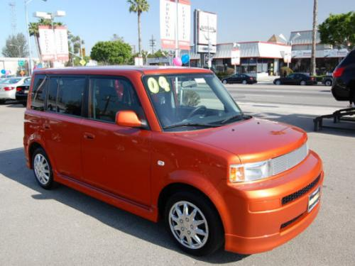 Photo Image Gallery & Touchup Paint: Scion XB in Hot Lava   (4R8)  YEARS: 2004-2004