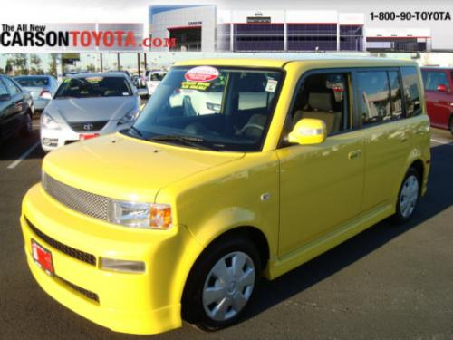 Photo Image Gallery & Touchup Paint: Scion XB in Solar Yellow   (576)  YEARS: 2005-2005