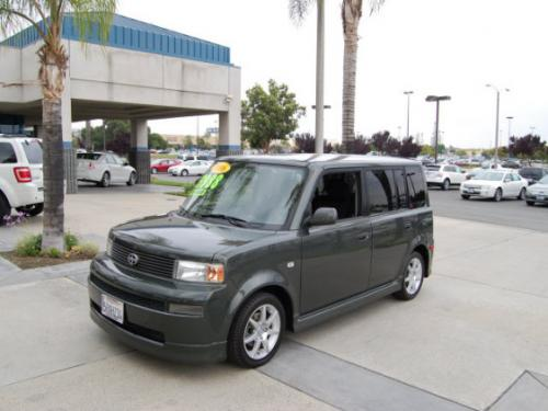 Photo Image Gallery & Touchup Paint: Scion XB in Camouflage Metallic   (6M7)  YEARS: 2004-2006
