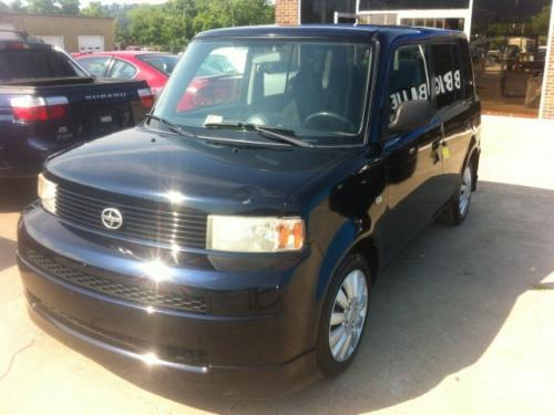 Photo Image Gallery & Touchup Paint: Scion XB in Blue Onyx Pearl  (8P8)  YEARS: 2004-2006