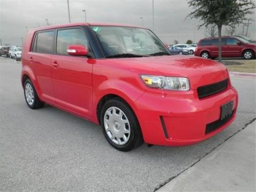 Photo Image Gallery: Scion XB in Absolutely Red   (3P0)  YEARS: -