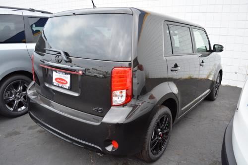 Photo Image Gallery & Touchup Paint: Scion XB in Cocoa Bean Metallic  (4U5)  YEARS: 2015-2015