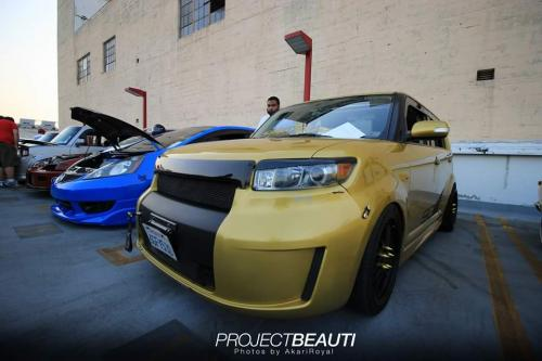 Photo Image Gallery & Touchup Paint: Scion XB in Gold Rush Mica  (580)  YEARS: 2008-2008