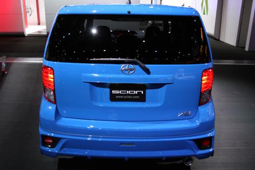 Photo Image Gallery & Touchup Paint: Scion XB in Voodoo Blue   (8T6)  YEARS: 2011-2011
