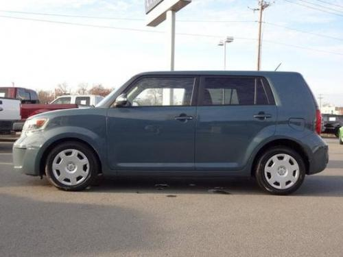 Photo Image Gallery & Touchup Paint: Scion XB in Hypnotic Teal Mica  (8U3)  YEARS: 2008-2010