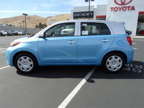 Photo Image Gallery: Scion XD in Classic Silver On Sparkling (2MA)  YEARS: -