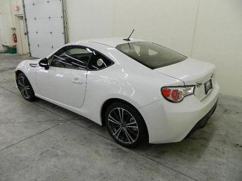 Photo Image Gallery & Touchup Paint: Subaru Brz in Satin White Pearl  (37J)  YEARS: 2013-2014