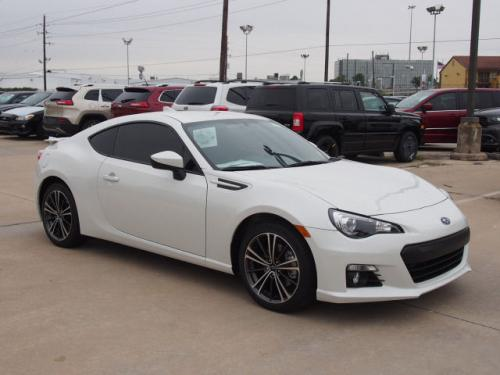 Photo Image Gallery & Touchup Paint: Subaru Brz in Crystal White Pearl  (K1X)  YEARS: 2015-2018