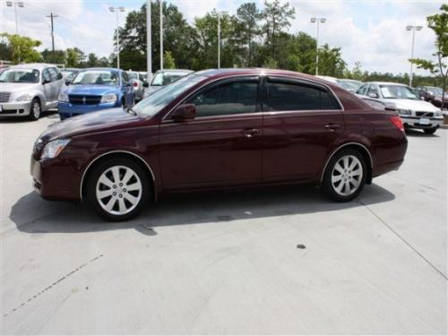 Photo Image Gallery & Touchup Paint: Toyota Avalon in Cassis Pearl   (3Q7)  YEARS: 2005-2010