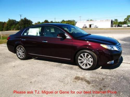Photo Image Gallery & Touchup Paint: Toyota Avalon in Sizzling Crimson Mica  (3R0)  YEARS: 2011-2012