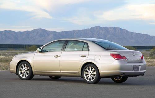 Photo Image Gallery & Touchup Paint: Toyota Avalon in Desert Sand Mica  (4Q2)  YEARS: 2005-2009