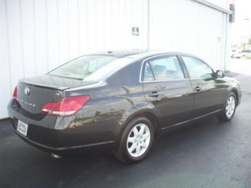 Photo Image Gallery & Touchup Paint: Toyota Avalon in Cocoa Bean Metallic  (4U5)  YEARS: 2009-2012