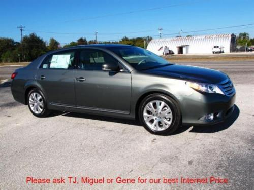 Photo Image Gallery & Touchup Paint: Toyota Avalon in Cypress Pearl   (6T7)  YEARS: 2011-2012