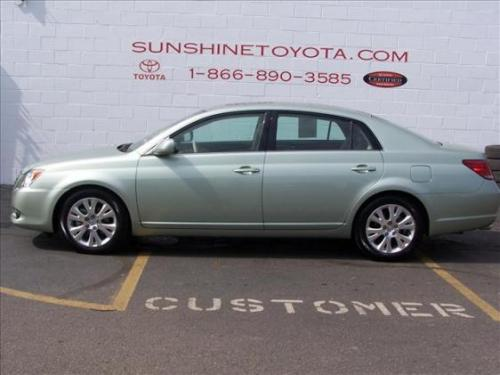 Photo Image Gallery & Touchup Paint: Toyota Avalon in Silver Pine Mica  (6U0)  YEARS: 2005-2010