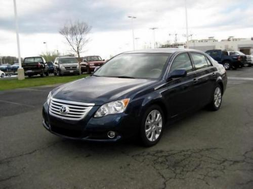 Photo Image Gallery & Touchup Paint: Toyota Avalon in Indigo Ink Pearl  (8P4)  YEARS: 2005-2008