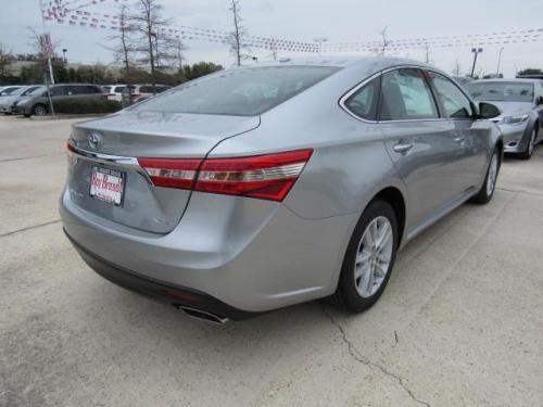 Photo Image Gallery & Touchup Paint: Toyota Avalon in Celestial Silver Metallic  (1J9)  YEARS: 2015-2017