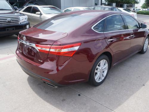 Photo Image Gallery & Touchup Paint: Toyota Avalon in Moulin Rouge Mica  (3T0)  YEARS: 2013-2017