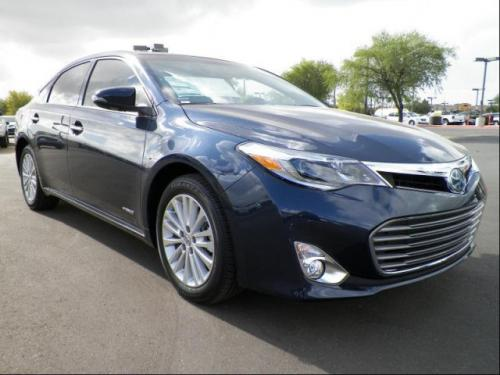 Photo Image Gallery & Touchup Paint: Toyota Avalon in Parisian Night Pearl  (8W6)  YEARS: 2014-2017