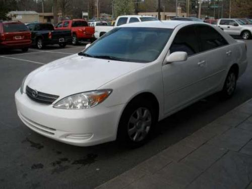 Photo Image Gallery & Touchup Paint: Toyota Camry in Super White   (040)  YEARS: 2002-2006