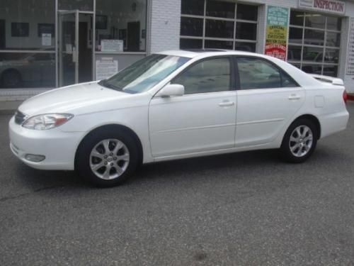 Photo Image Gallery Touchup Paint Toyota Camry In Crystal White 062 Years