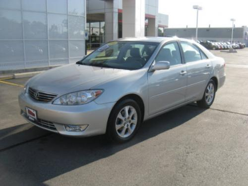 Photo Image Gallery & Touchup Paint: Toyota Camry in Lunar Mist Metallic  (1C8)  YEARS: 2002-2006